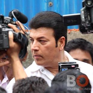 Breaking: After Slapping Junior Artist, Aditya Pancholi Assaults Reporter On Bajirao Mastan