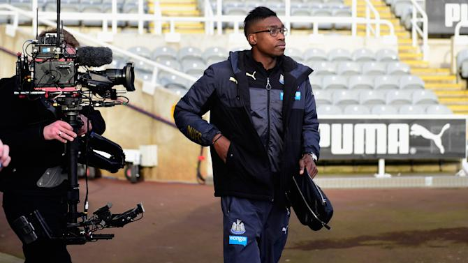 OFFICIAL: Newcastle's Ameobi joins Bolton Wanderers on loan
