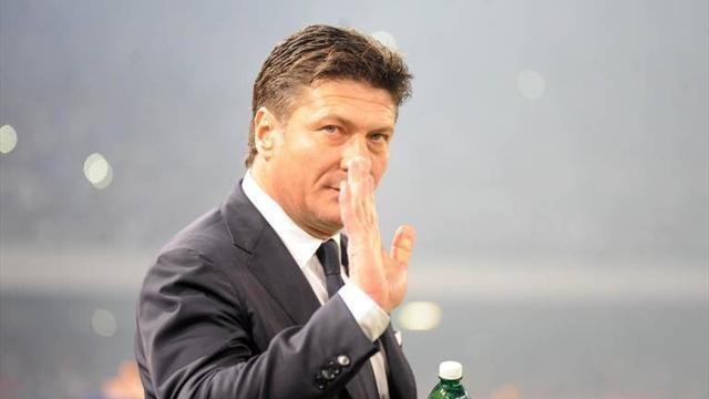 Serie A - Inter through in Coppa Italia on Mazzarri's debut