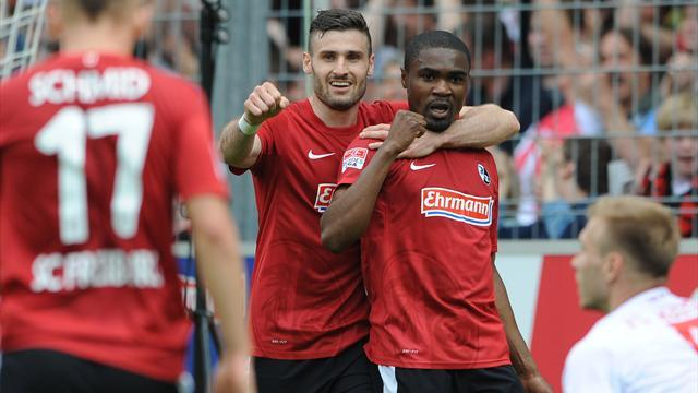 Bundesliga - Freiburg leave Augsburg in trouble