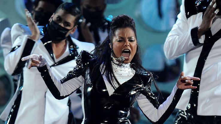 Janet Jackson performs onstage during the 2009 MTV Video Music Awards at Radio City Music Hall on September 13, 2009 in New York City.