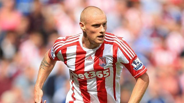 Premier League - Wilkinson boost for Stoke