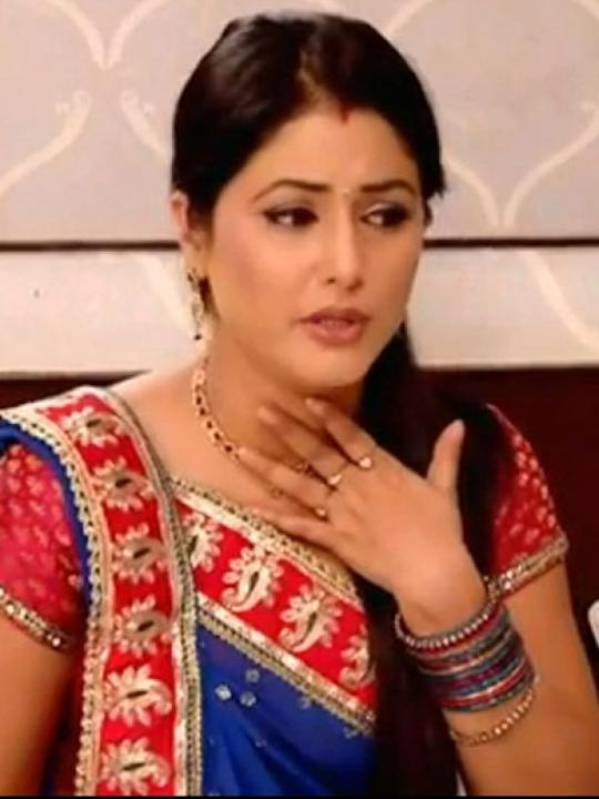 Images via : iDiva.com Hina Khan (Akshara Singhania) : Hina who plays Akshara in Yeh Rishta Kya Kehlata Hai, c could surely do with a makeover. Related Articles - Bigg Boss 6: Meet the Contestants TV