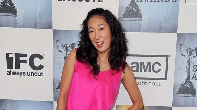 Sandra Oh arrives at Film Independent's 2009 Independent Spirit Awards held at the Santa Monica Pier on February 21, 2009 in Santa Monica, California.