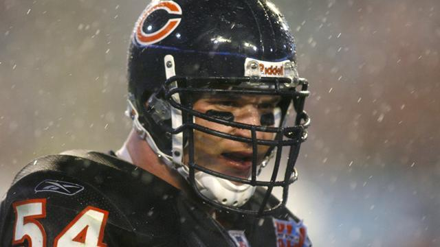 Urlacher targets Bears return in time for season start