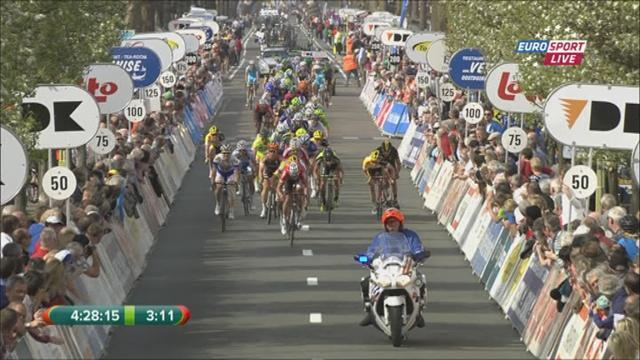 Cycling - Modolo wins De Panne stage two