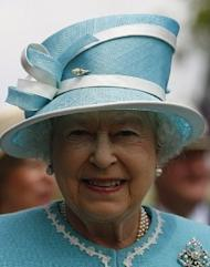 Queen blames 'lax' approach for financial crisis
