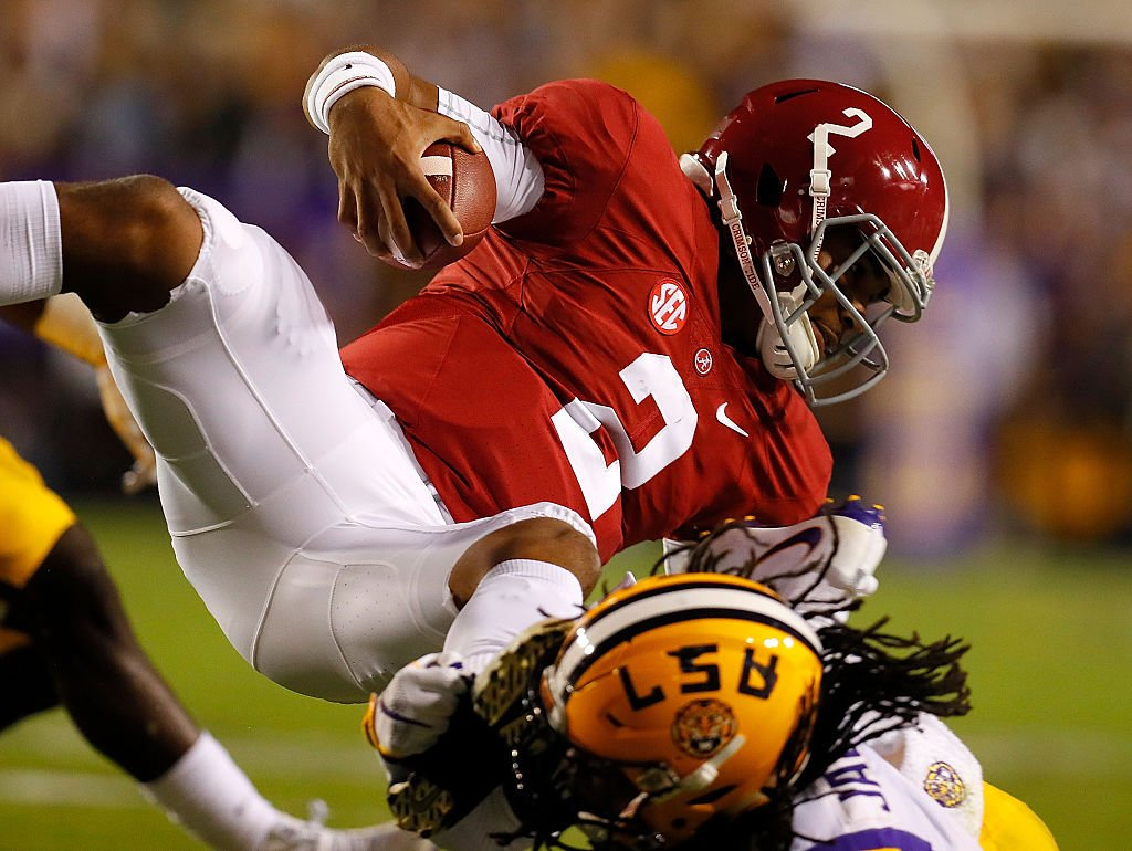 Alabama quarterback Jalen Hurts scored the game's only touchdown in a 10-0 win against LSU. (Getty)