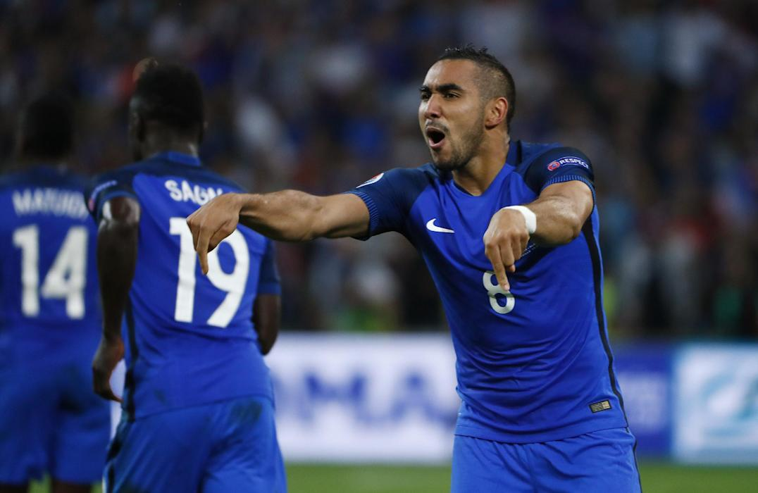France's Dimitri Payet celebrates at the end of the match