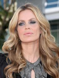 Kristin Bauer van Straten calls for donations to fund anti-hunting film