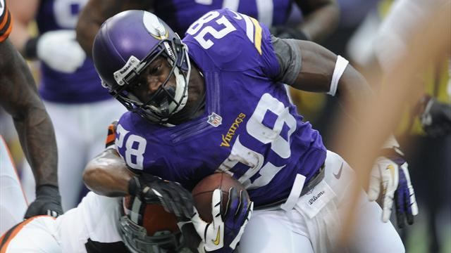 NFL - Vikings' Peterson 'standing strong' after son's funeral