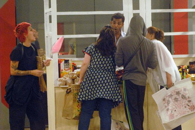 Bigg Boss 6: Housemates go shopping