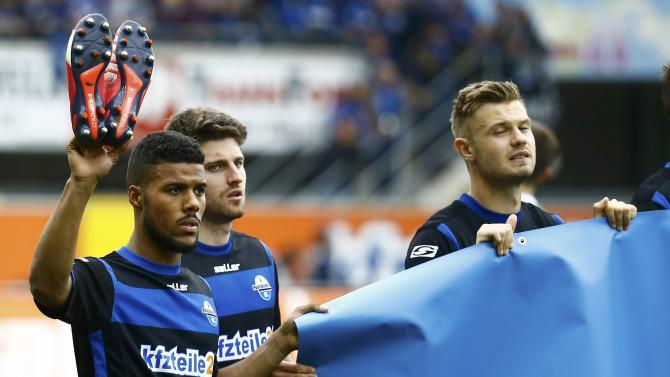 SC Paderborn's Kachunga waves to the supporters after loosing to VFB Stuttgart during their German Bundesliga first division soccer match in Paderborn