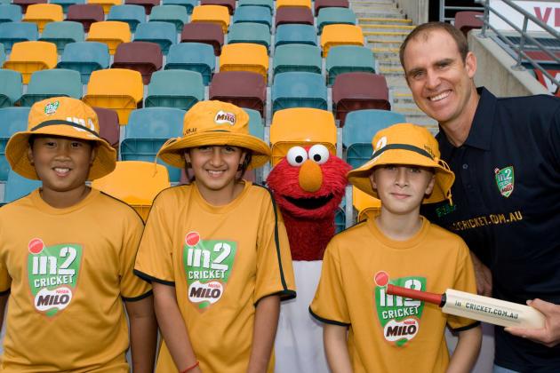 Matthew Hayden And Elmo Launch in2CRICKET.com.au