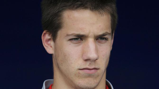 Premier League - Pasalic pens Chelsea deal