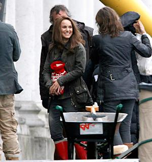 PICTURES: Natalie Portman Goes Back to Brunette Hair on Thor Sequel Set