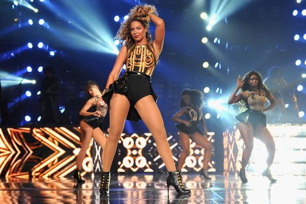 Beyonce Wows Brooklyn With Blockbuster Show