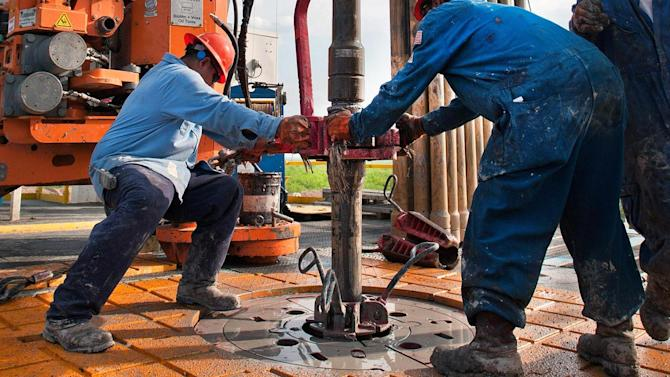 Oil and gas industry could hire 100,000 workers – if it ...