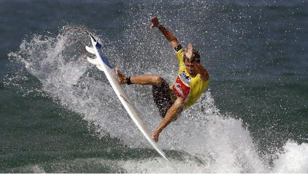 Home surfers through at Mr Price Pro Ballito