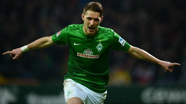 Bundesliga - Petersen wants Bremen stay
