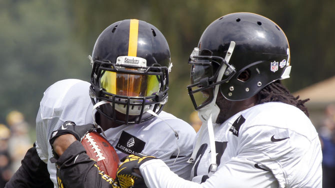 Steelers' Bell, Blount set to face pot charges
