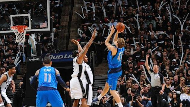 Basketball - Nowitzkis Mavericks verlieren Play-off-Start