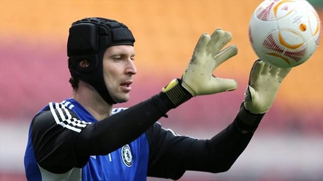 Football - Mourinho hails Cech as world's best