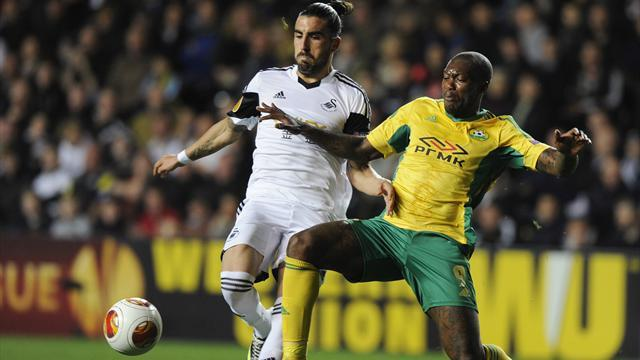 Europa League - Late Cisse penalty denies Swansea victory