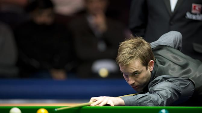 SNOOKER-GBR-MASTERS-HIGGINS-CARTER