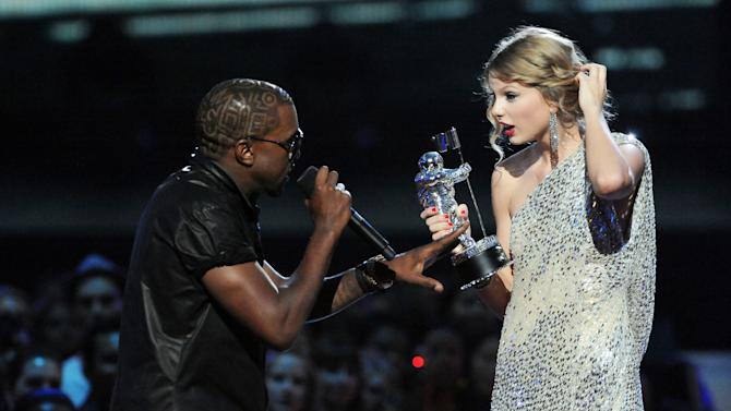 Kanye West Doesn't Let Taylor Swift Finish (2009)