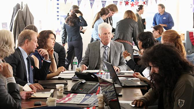 """""""Scandal"""" -- """"A Criminal, a Whore, an Idiot and a Liar"""" JEFF PERRY, BELLAMY YOUNG, BARRY BOSTWICK, KERRY WASHINGTON, DARBY STANCHFIELD, GUILLERMO DIAZ"""