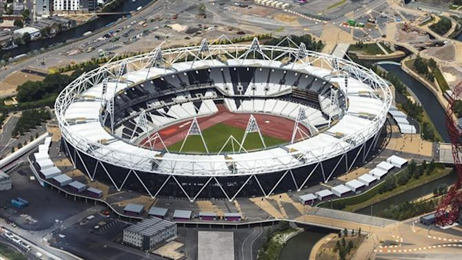 Rugby - Olympic Stadium to make rugby bow