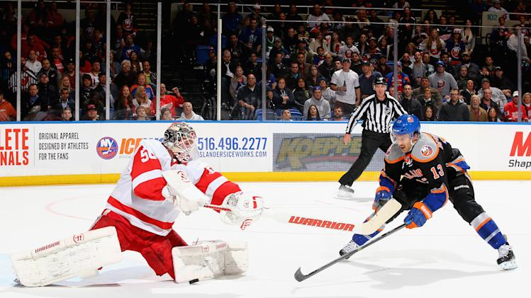 Detroit Red Wings v New York Islanders