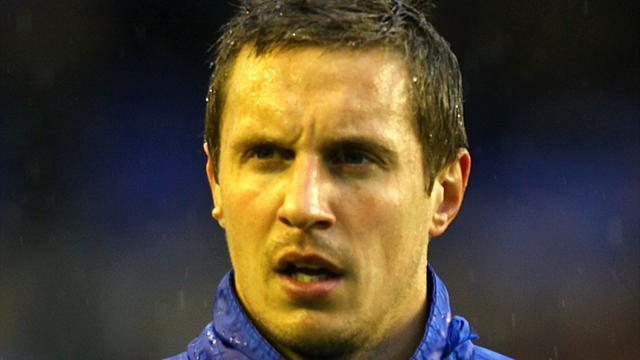 Football - Jagielka to captain Everton when Neville leaves