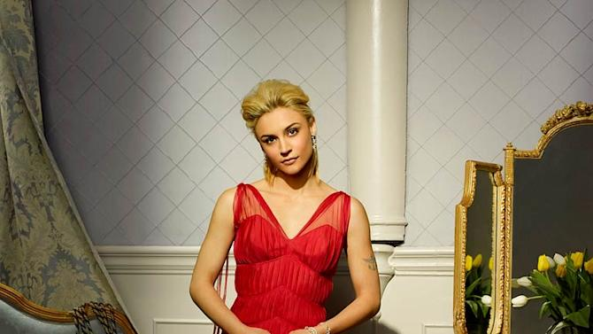 Samaire Armstrong stars as Juliet Darling on Dirty Sexy Money.