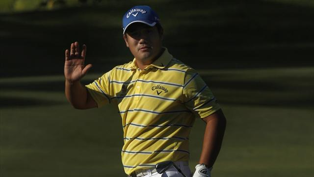Golf - Thailand's Pariya holds nerve to win second Asian title