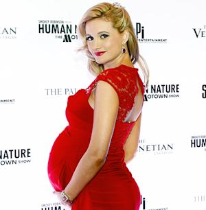 Holly Madison Names Baby Daughter Rainbow Aurora