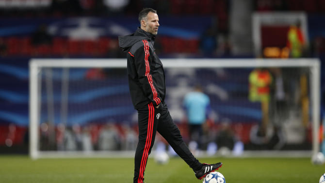 Manchester United assistant manager Ryan Giggs during the warm up before the match