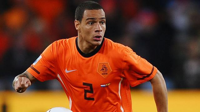 World Cup - De Jong and Van der Wiel return to Dutch squad