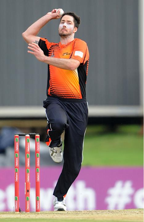 PRETORIA, SOUTH AFRCA - OCTOBER 13: Ben Edmondson of the Scorchers in action during the Champions League Twenty20 match between Nashua Titans (South Africa) and Perth Scorchers (Australia) at SuperSpo