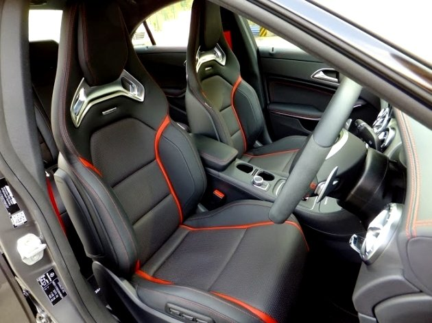 Front seats look nicked from a racing car (Credit: CarBuyer Issue 220)