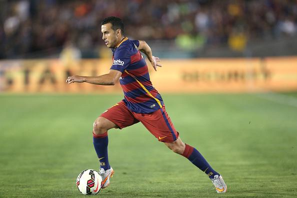 Manchester United: Louis van Gaal convinces Barcelona winger Pedro after making first team promise