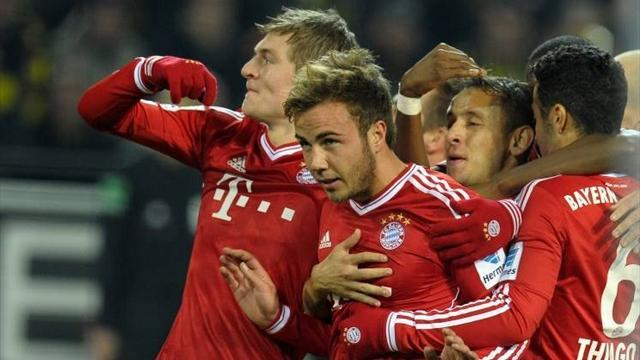 Bundesliga - Goetze brace helps Bayern crush struggling Hamburg