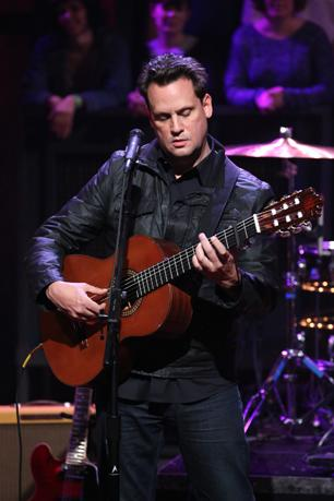 Mark Kozelek Confronts Aging and Change at L.A. Solo Show