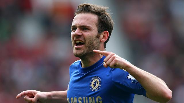 Premier League - Mata arrives by helicopter for Man Utd medical