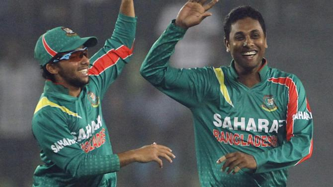 Cricket - Bangladesh, Zimbabwe spinners banned for illegal actions