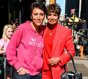 """Robin Roberts """"Moved to Tears"""" By Fans' Support After Brief Hospitalization"""
