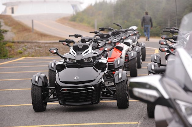 2015-Can-Am-Spyder-F3-10
