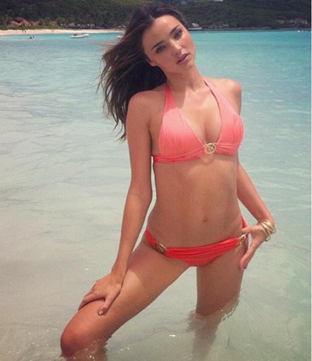 Celebrities in bikinis: Miranda Kerr shows off the killer bod that earned her the accolade of being a Victoria's Secret model. We're girl crushing all over the place right now!