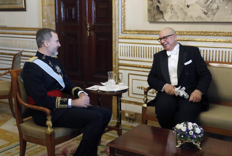 Piñera destacará en España que Chile sigue abierto a negocios